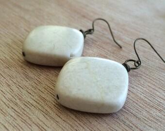 E578 Riverstone Earrings