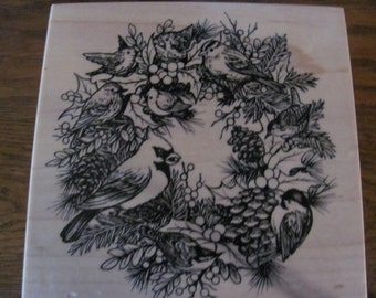 K 2062 Rubber Stamp Wreath with Cardinal and Birds