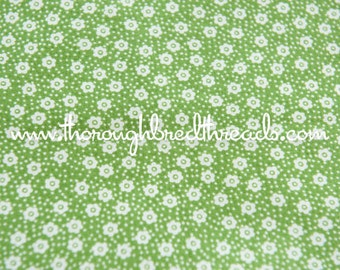 """Happy Daisy Floral- Vintage Fabric Mod Flowers Juvenile Floral Novelty Spring Green 36"""" wide"""