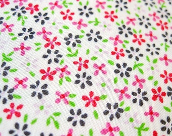 FREE SHIPPING Japanese Floral Print Fabric - Tiny Flowers in Pink Fabric (F002) - Fat Quarter