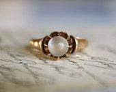 ANTIQUE 14K MOONSTONE vintage rosegold solitaire ring circa 1870 Victorian era size 5.25