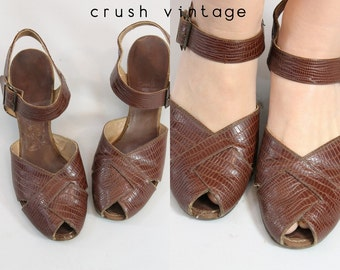 40s Shoes 6.5 - 7 / 1940s Vintage Lizard  Mary Jane Peeptoes / Middlebury Shoes
