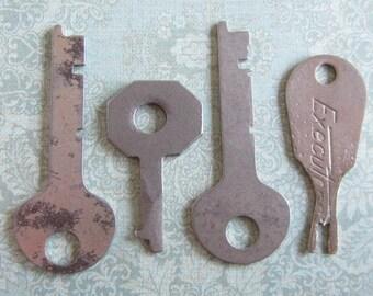 Vintage Antique keys -  Steampunk - Altered art b87