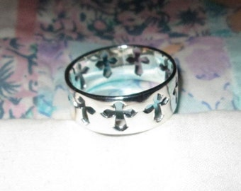 RING - Cut Out - CROSSES - ETERNITY  - 925 - Sterling Silver - Size 12  Misc182
