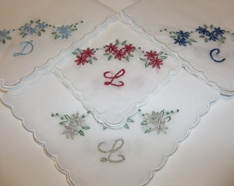 bridesmaid handkerchiefs, bouquet wraps , hand embroidery, personalized wedding favors, wedding colors welcome, scalloped hanky