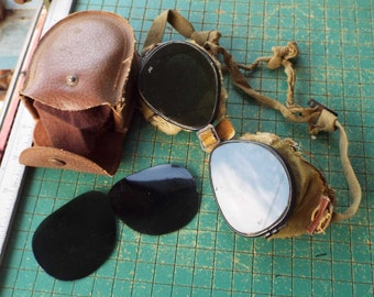 WWII Goggles, US Army 10th Mountain Division, ski troopers, dark goggles in case, Militaria, Steampunk, Aviator Goggles