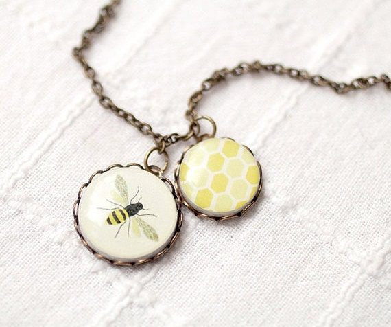 Bee and honey drop necklace - Honey Bee necklace - Yellow necklace - Honey bee pendant - Insect necklace - Mother necklace (N013)