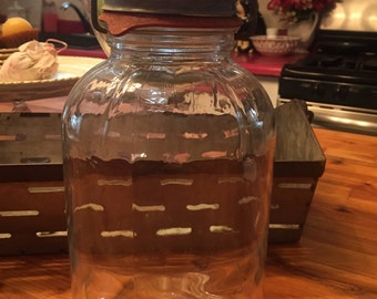 Mason Jar with Handled Zinc Lid