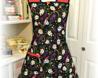 Handmade woman's apron in Mexican Fiesta theme, kitchen, over the head, full, party, Skulls, Misses, plus size