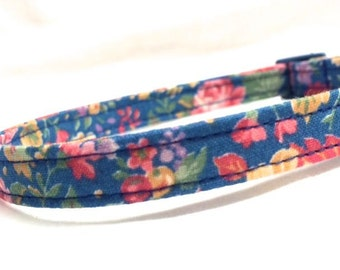 Blue Cat Collar Boy Girl Old Fashioned Flowers