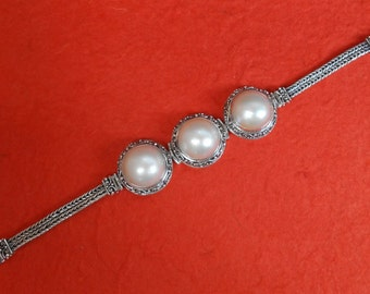 Solid sterling silver white mabe pearl bracelet / Bali handmade art jewelry/ granulation technique