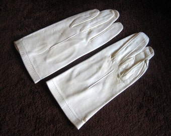 GLOVES Vintage Dress Up Costume Authentic Retro Off White LEATHER Supple Ivory Kid