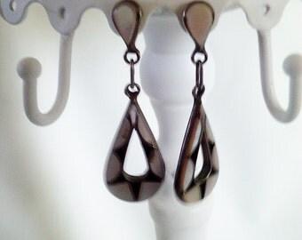mother of pearl earrings, dangle earrings, MOP earrings, beach earrings, for pierced ears, long dangle earrings