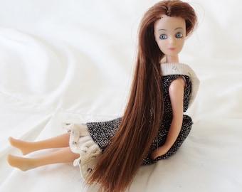 vintage dawn doll, pippa doll, longlocks doll, small plastic doll, very long hair, dawn doll dress, black dress