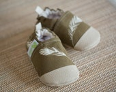 Organic Vegan Lightweight Canvas Feathers in Mahogany / non-slip soft sole baby shoes / made to order / babies