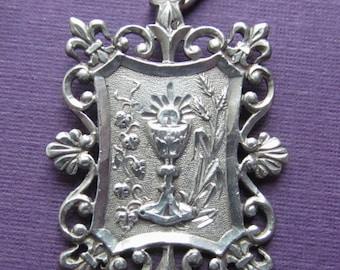 Antique French Art Nouveau Silver Holy Communion Religious Medal Fleur De Lis Pendant Dated  1907 SS337