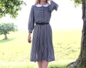Medium Large M L Vintage 80s does 50s Dress Retro Shirtwaist Black Gray Stripe Print Peter Pan Collar Long Midi Womens