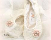 Ballet Flats, Ivory, Blush, Elegant Wedding, Bridal, Flower Girl, Shoes, Flats, Ballerina Slippers, Lace, Pearls, Crystals, Vintage Style