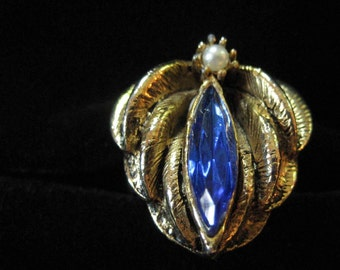 Flower Costume Ring, Blue Stone and Faux Pearl, Adjustable