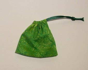 Q60 - Mini Nature Green Pattern Pouch