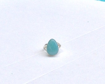 Turquoise Larimar ring size 8 Drop Larimar cabochon set in Sterling silver 925