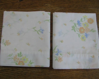 Vintage Pair of Standard Floral Pillowcases From Sears 50/50 Blend No damage.