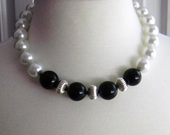 Chunky Black and White Necklace Pearl Necklace Black Necklace Statement Necklace