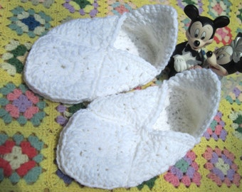 Wedding Slippers in White Granny Squares, Crochet Bridal Shoes, Rehearsal Slippers, Before and After Wedding Bride Accessory, Shower Gift
