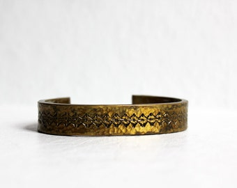 vintage brass middle eastern style bangle, heavy metal, arabian jewelry, bracelet, patina tarnished gold, engraved