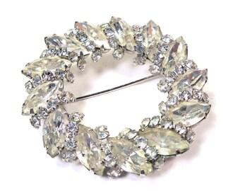 Vintage Crystal Clear RHINESTONE Circle Wreath Pin Brooch