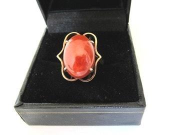 Vintage  14K Yellow Gold Red Jadeite  Jade  Ring