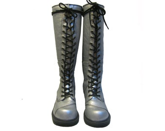 NaNa Silver Logger Boots Vintage 1990s Womens Pre-owned Glam Lace Up Zip Side Logger Boots Wms US Size 7