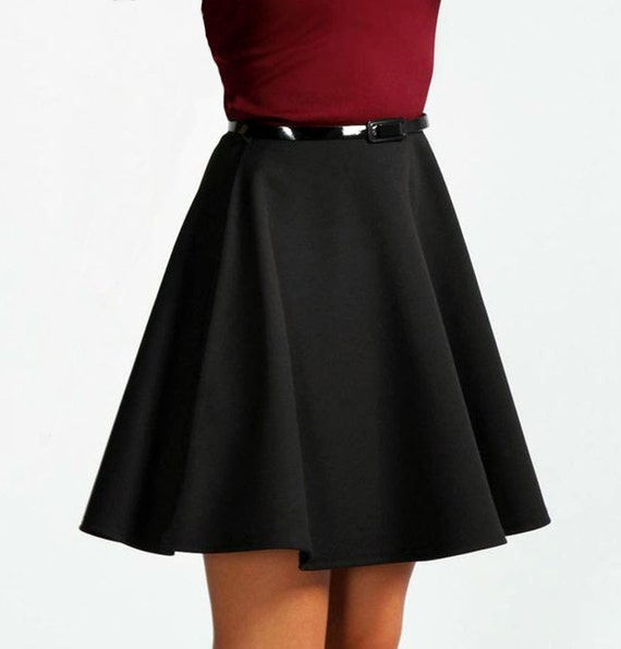 Jun 07, · A circle skirt is a full, flowy skirt that gets its name from the circular shape of the skirt when it is spread out. You can make your own circle skirt using some colorful store bought fabric or create your own printed fabric%(57).