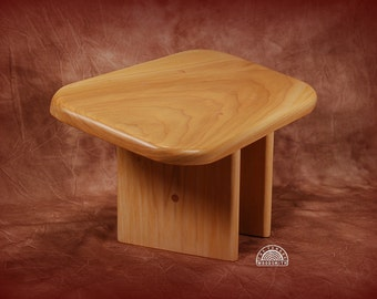 Seiza style Meditation bench - Stool  (PIYPFB-OVAL-CL)