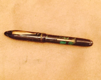 Vintage Green & Black marbled Celuloid Fountain Pen