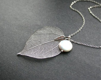 Leaf Necklace with Freshwater Pearl, Real Leaf, Coin Pearl, Leaf and Pearl Necklace, Botanic Jewelry for Weddings, Sterling Silver, Bridal