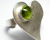 Peridot Ring Heart Fine Sterling Silver One of A Kind handmade Lisajoy Sachs Design size 7.5 Statement Birthday Acid Green August Birthstone