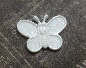 Butterfly Buttons in White- 6 Vintage Plastic White Butterfly Shank Buttons