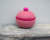Felted small pink bowl,removable lid, Wool Basket,girl gift, room decor and storage.