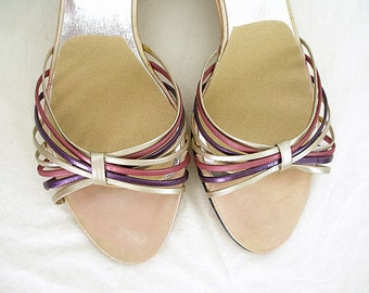 Vintage 1980s Sandals Metallic Strappy Low Heel Sandals Shoes / U.S. 7.5 to 8B