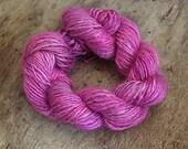 Handdyed and handspun tussah silk - Bleeding Hearts - 10gr 60m
