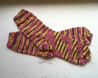 Hand Knit Soft And Warm  Women's Merino Wool  Socks, Size  7  -  7.5  (9.25 inches length)