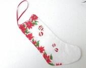 Vintage Christmas Hanky Hankie Stocking Red Green White Poinsettias