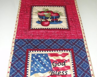 Patriotic Americana Quilted Table Runner Wall Hanging
