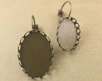50 Oval Earrings- Brass Antique Bronzed Lever Back Ear Wire W/ 13x18mm/ 18x25mm Oval Lace Edged Cabochon Setting- Z7635a