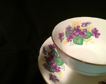 Royal Grafton Tea Cup and Saucer - Violets  - Purple Flowers - Vintage Wedding Table Setting - Floral Tea Cup - Teacup