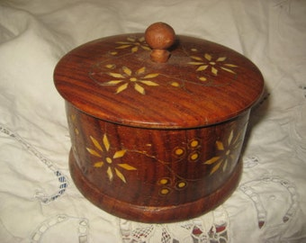 """Vintage Wooden Box, 1980s Ukrainian Folk Art Round Jewelry Box or Trinket Box with Lid, Inlaid Mother of Pearl, 4 1/2 x 2 1/2"""""""
