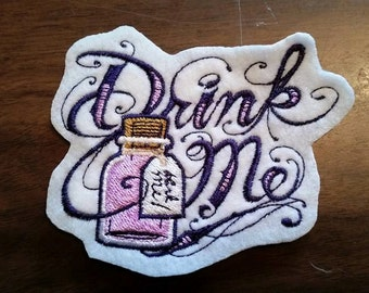 Drink me patch, Alice in Wonderland
