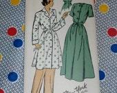 "1940s Vintage New York Pattern 414 Misses Housecooat Size 14, Bust 32"", Hip 35"",  Uncut, Factory Folds"