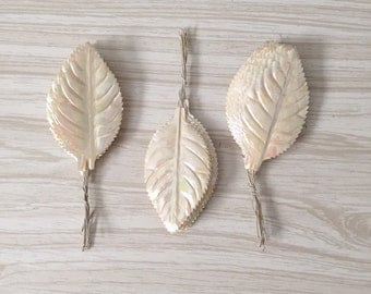 vintage millinery leaves pearl white / craft leaves / 1 bunch / wedding ribbon